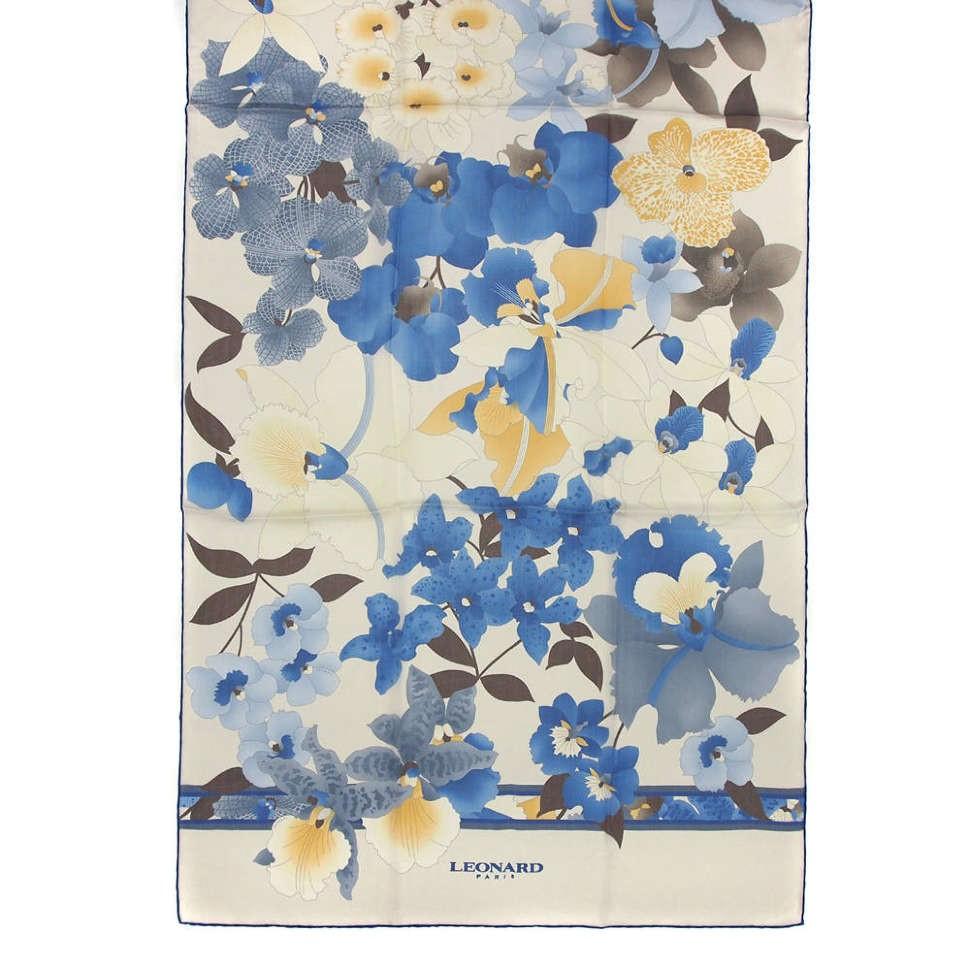 Нежный бежевый палантин с оригинальными цветами Leonard