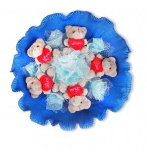 Голубой букет из игрушек