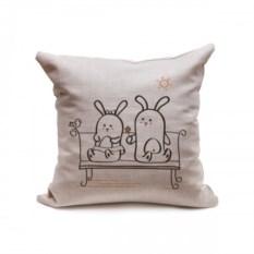 Декоративная подушка Кроли на лавочке