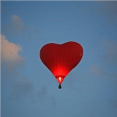 Полет на воздушном шаре-сердце для двоих с фотосессией