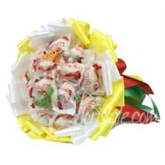 Букет из конфет Raffaello и желтых лент Солнечный