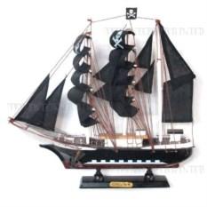 Корабль Сonfection с пиратскими черными парусами, длина 33см