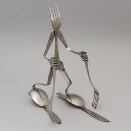 Скульптура «Лыжник-вилка»