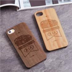 Деревянный чехол для iPhone Kia с гравировкой
