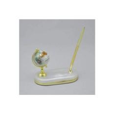 Белый настольный каменный глобус на подставке с ручкой Gift