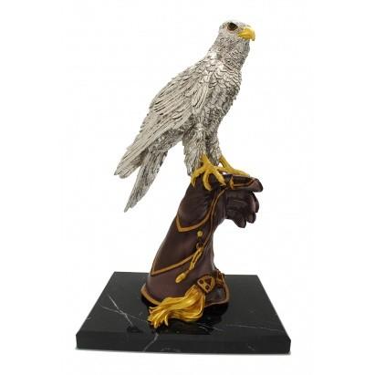 Скульптура Орел на перчатке