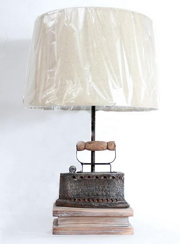 Настольная лампа «Старинный утюг»