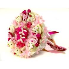 Розовый букет с пинетками на выписку из роддома