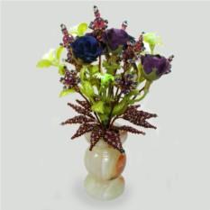 Цветы из раухтопаза в вазочке из оникса