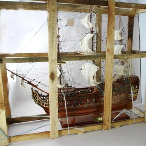 Модель парусника Royal Louis