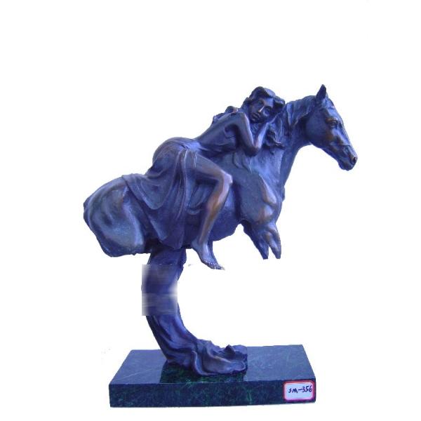 «Девушка на лошади»