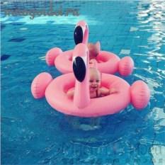 Надувной круг детский с шортиками Розовый фламинго