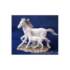 Статуэтка Лошадь с жеребенком