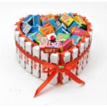 Торт из конфет Киндер Love is
