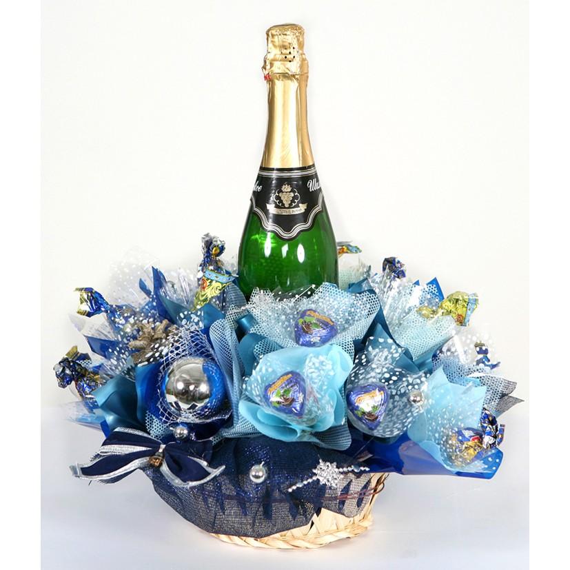 Букеты с шампанским и конфетами на новый год, букет