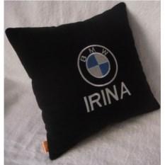 Подушка BMW с дополнительной надписью