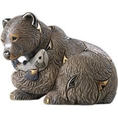 Скульптура Медведь с рыбой