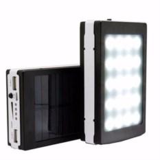 Внешний аккумулятор с солнечной батареей и ярким фонариком