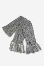 Вязаный шарф Кармен