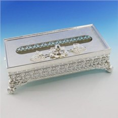 Посеребренная коробочка для салфеток с цветком