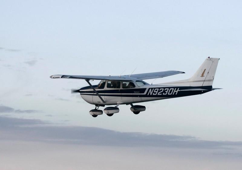 Полет на самолете для троих человек Летаем вместе