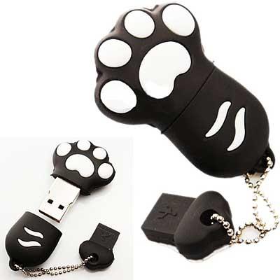 USB флешка на 8GB в виде черной лапки