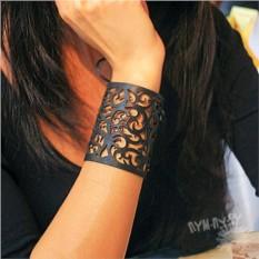 Кожаный браслет Цветочная абстракция