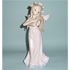 Фарфоровая статуэтка Ангел Июль