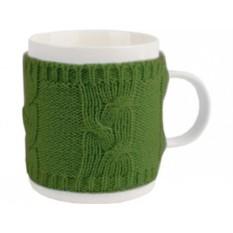 Зеланая кружка на 350 мл в теплом вязаном свитере