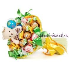 Желто-зеленый букет из конфет Первоклашка