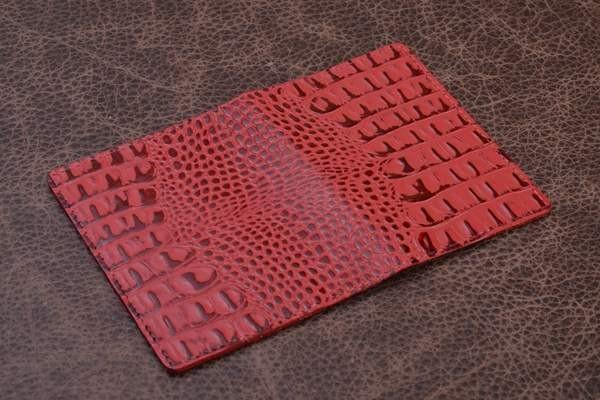 Обложка для паспорта из кожи Amelie (розовый, кайман)