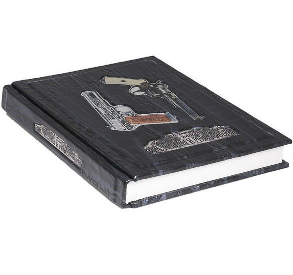 Книга Пистолеты и револьверы (в мешочке)
