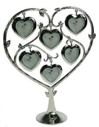 Дерево с фоторамками Сердца