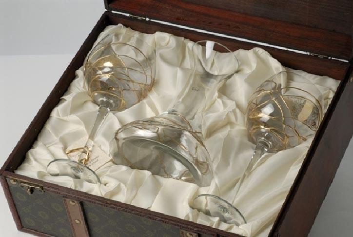 Набор: декантер и 2 бокала для вина, с золотистым узором