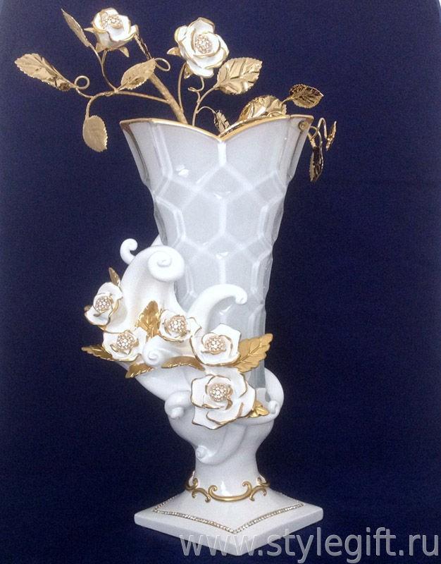 Ваза Белые розы
