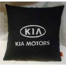 Черная с белой вышивкой подушка Kia motors