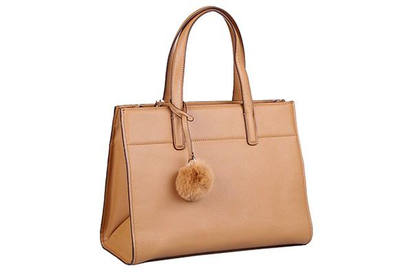 Женская кожаная сумка Leo Ventoni бежевого цвета