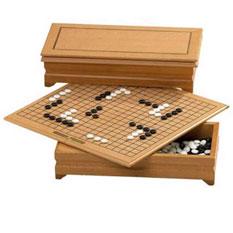 Игра «Го». Ящик с игровой доской.