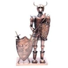 Подставка под бутылку Рыцарь в рогатом шлеме